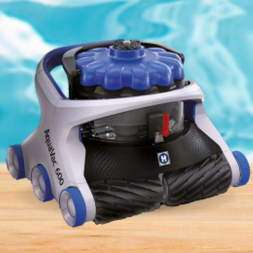 Robot nettoyeur électrique AquaVac, disponible dans votre magasin Aquilus. Redoutable contre la saleté notamment grâce à son aspiration cyclonique