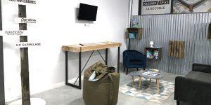 Lieu cosy dans notre magasin Aquilus pour vous accueillir et définir votre projet de piscine ou d'équipements bien-être