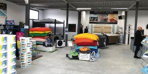 Intérieur du nouveau magasin Aquilus Piscines et Spas La Rochelle à Perigny