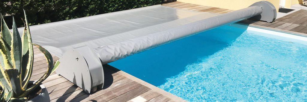 La bâche à barres automatisée Thelma et idéale pour les piscines : esthétique et écologique !